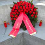 Kranz des KZ-Verbands am Deserteursdenkmal: Unseren wahren Helden